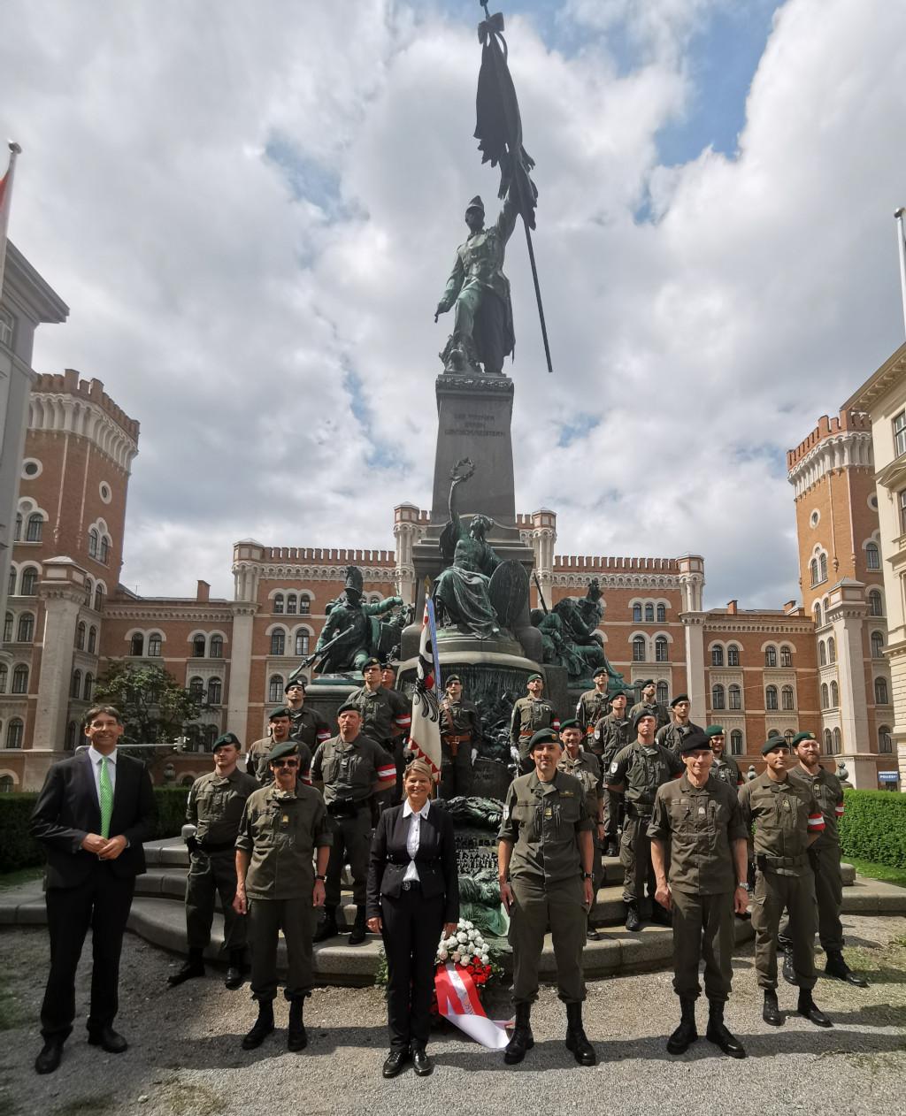 09.06.2020 - Tag der Miliz 2020 – Deutschmeisterplatz – Deutschmeister-Denkmal